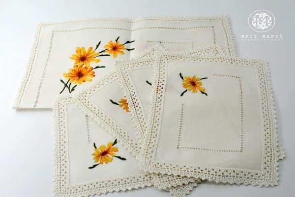 набір серветок з ручною вишивкою
