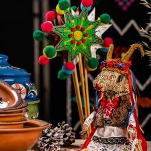 Скульптура Кізонька, вироби з сіна, водіння кози
