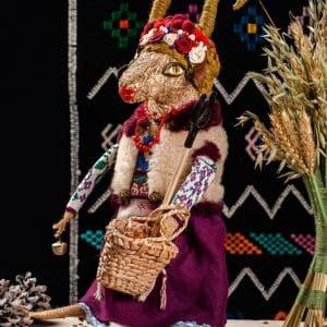Скульптура Коза, вироби з сіна