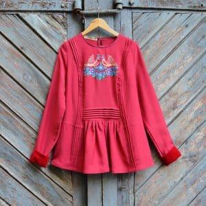 Блуза голубки, ручна вишивка, за мотивами традиційної кохти, вовна